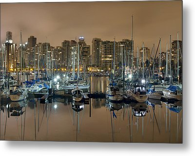 Marina Along Stanley Park In Vancouver Bc Metal Print by David Gn