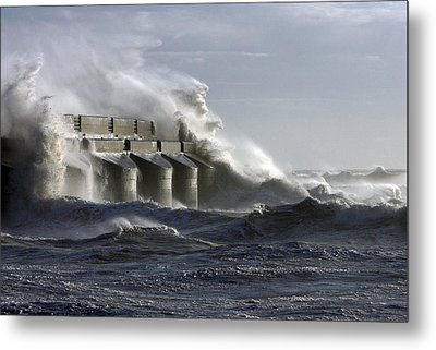 Marina Waves Metal Print by Barry Goble