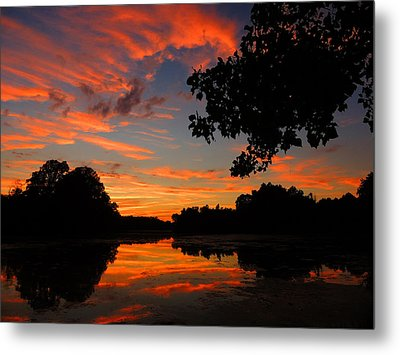 Marlu Lake At Sunset Metal Print by Raymond Salani III