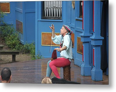 Maryland Renaissance Festival - A Fool Named O - 121232 Metal Print by DC Photographer