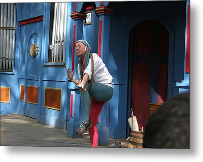 Maryland Renaissance Festival - A Fool Named O - 121235 Metal Print by DC Photographer