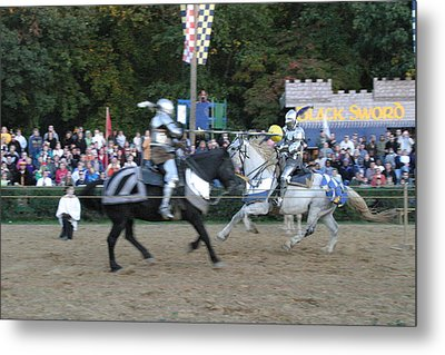 Maryland Renaissance Festival - Jousting And Sword Fighting - 121252 Metal Print by DC Photographer