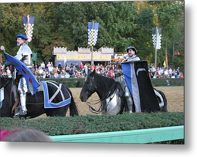 Maryland Renaissance Festival - Jousting And Sword Fighting - 121261 Metal Print by DC Photographer