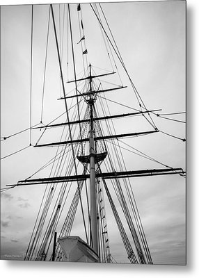 Metal Print featuring the photograph Masts Of The Cutty Sark by Ross Henton