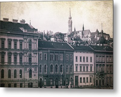 Matthias Church And Vizivaros Metal Print by Joan Carroll