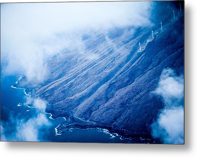 Metal Print featuring the photograph Maui by Cathy Donohoue