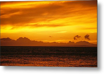 Maui Sunset Sun 125 Metal Print