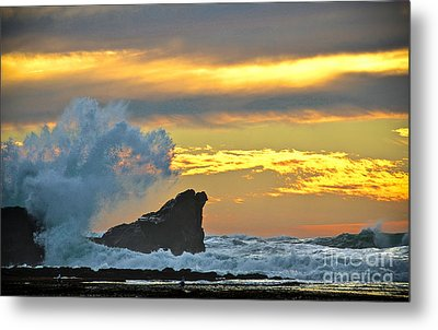Mavericks - Princeton By The Sea Metal Print