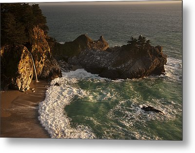 Metal Print featuring the photograph Mcway Falls 1 by Lee Kirchhevel