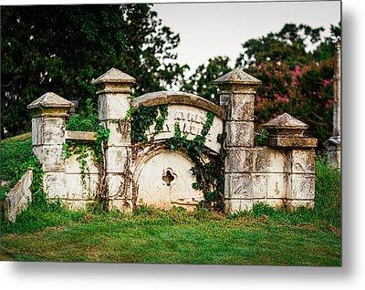 Memphis Elmwood Cemetery - Ayres Family Vault Metal Print by Jon Woodhams