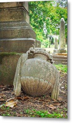 Memphis Elmwood Cemetery Monument - Fallen Metal Print by Jon Woodhams
