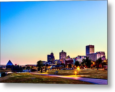 Memphis Morning - Bluff City - Tennessee Metal Print by Barry Jones