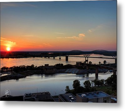 Memphis Sunset On The Mississippi 001 Metal Print by Lance Vaughn