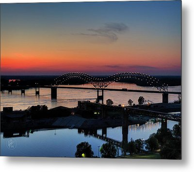 Memphis Sunset On The Mississippi 004 Metal Print by Lance Vaughn