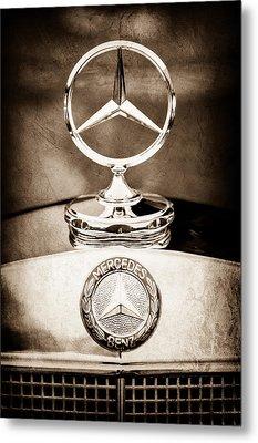 Mercedes-benz Hood Ornament - Emblem Metal Print by Jill Reger