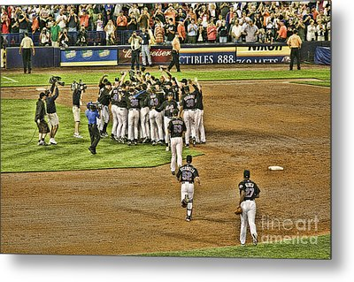 Mets Take Nl 2006 Metal Print by Chuck Kuhn