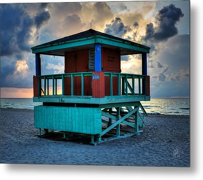 Miami - South Beach Lifeguard Stand 001 Metal Print by Lance Vaughn