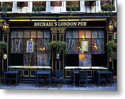 Michael's London Pub Metal Print by David Pyatt