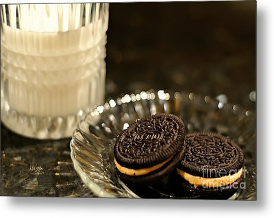Midnight Snack Metal Print by Lois Bryan