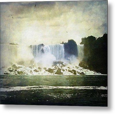 Mighty Niagara Metal Print by Lianne Schneider