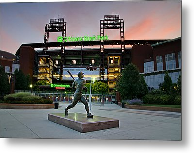 Mike Schmidt Statue At Dawn Metal Print