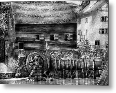 Mill - Sleepy Hollow Ny - By The Mill  Metal Print by Mike Savad