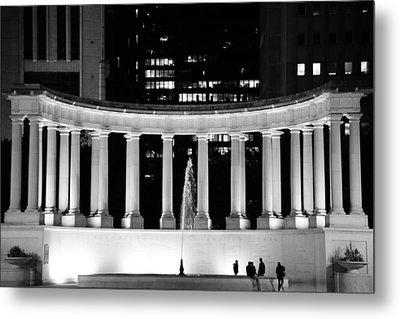 Millennium Monument And Fountain Chicago Metal Print
