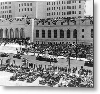 Miniature La City Hall Parade Metal Print by Underwood & Underwood