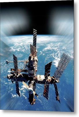 Mir Space Station In Orbit Metal Print by Detlev Van Ravenswaay
