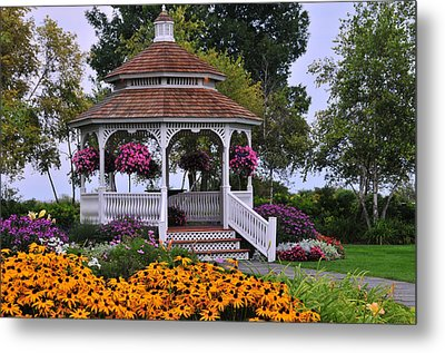 Mission Point Resort Gazebo On Mackinac Island Metal Print