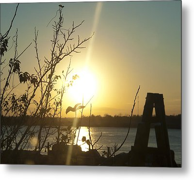 Metal Print featuring the photograph Mississippi River Sunset by Ray Devlin