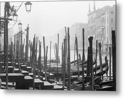 Misty Morning In Venice Metal Print by Dorothy Berry-Lound
