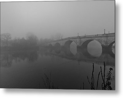 Misty Richmond Bridge Metal Print by Maj Seda