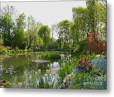 Monet's Water Garden At Giverny Metal Print by Alex Cassels