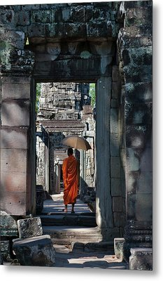 Monk With Buddhist Statues In Banteay Metal Print