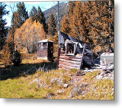 Montana Outhouse 01 Metal Print by Thomas Woolworth