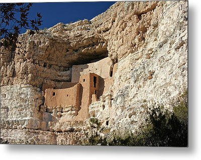 Metal Print featuring the photograph Montezuma Castle by Penny Meyers