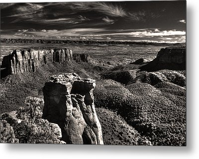 Monument Canyon Monolith Metal Print by William Fields