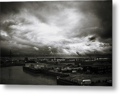 Moody Skies In London Metal Print by Lenny Carter