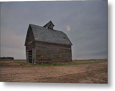 Moon Over Abandoned Iowa Corn Crib Metal Print