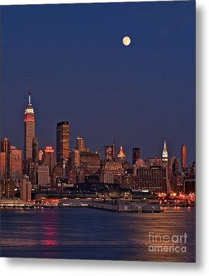 Moon Rise Over Manhattan Metal Print by Susan Candelario