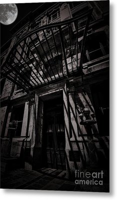 Moonin Munster Manor Metal Print by Robert McCubbin