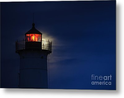 Moonrise At Nubble Lighthouse Metal Print by Scott Thorp