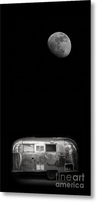 Moonrise Over Airstream Metal Print by Edward Fielding