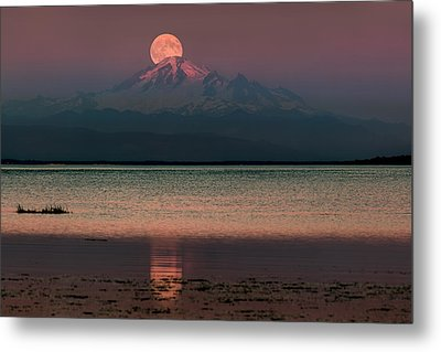 Moonrise Over Mount Baker Metal Print by Alexis Birkill