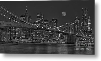 Moonrise Over The Brooklyn Bridge Bw Metal Print by Susan Candelario