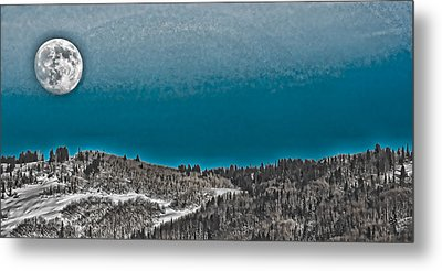 Metal Print featuring the photograph Moonrise Over The Mountain by Don Schwartz