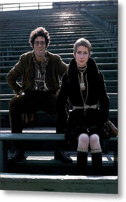 Moreen Mcgill And Elliot Gould Metal Print by William Connors
