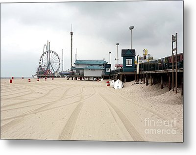 Morning At Seaside Heights Metal Print by John Rizzuto