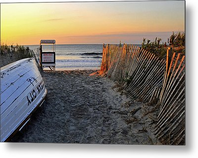 Morning At The Beach Metal Print by Dan Myers